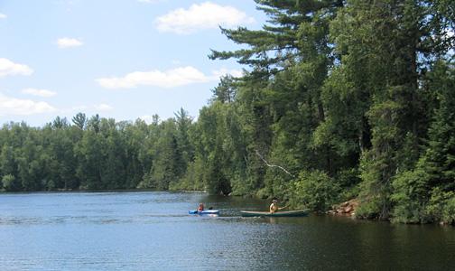 Crescent-Lake-kayakers