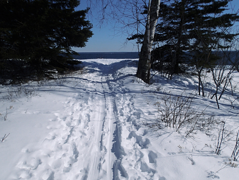 Easy Campground Loop with viewpoint of Lake Superior.